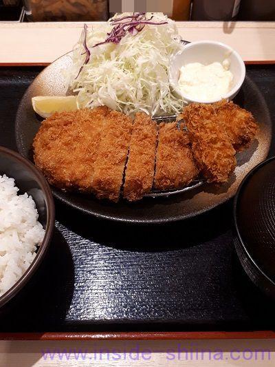 ロースかつ&カキフライ定食(税込830円)