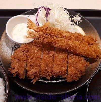 ロースかつ&エビフライ(2尾)定食(税込880円)