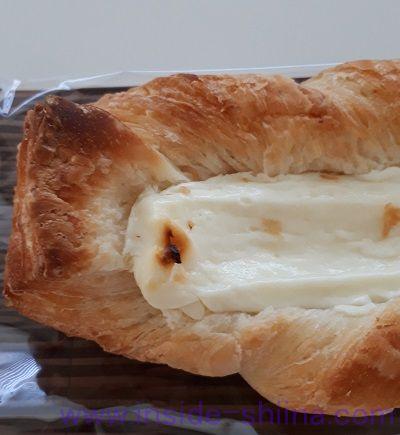 コク豊かな北海道クリームチーズのデニッシュ(ファミマ)端っこ