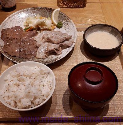 うまやの楽屋 有楽町店の「合わせ炙り焼きとろろ定食」税抜1,350円