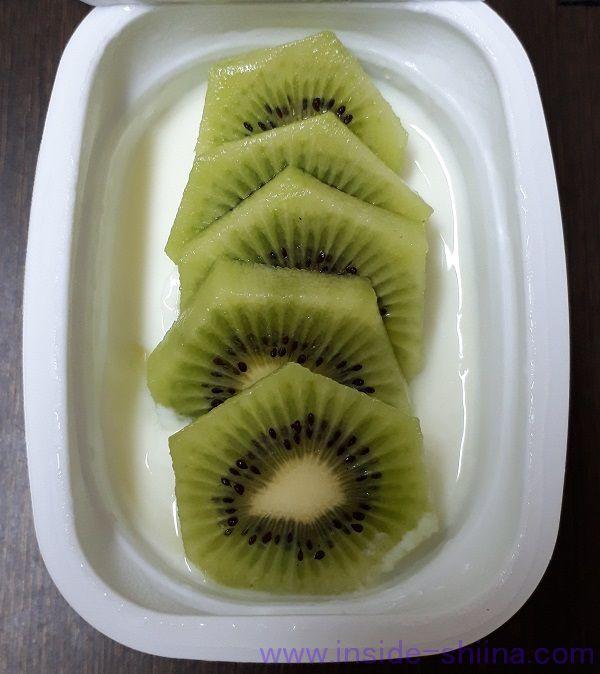 糖質制限 グリーンキウイとヨーグルト