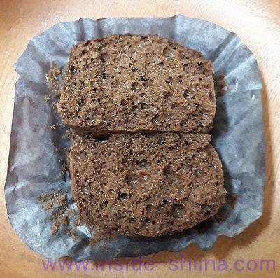 ローソン プロテイン入りチョコ蒸しケーキ2個入(税込140円)断面