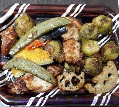 チキンと彩野菜のオリーブガーリック和え