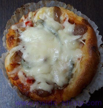 ピザパンにチーズ