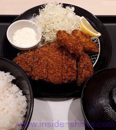 ロースかつ&カキフライ定食(松のや)
