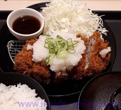 おろし厚切りロースかつ定食(松のや)