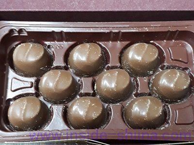ロッテ マカダミアチョコレートは何粒入り?