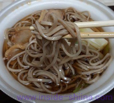 鴨南蛮そば(ミニストップ) 麺