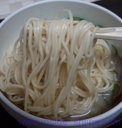 博多とんこつラーメン 麺