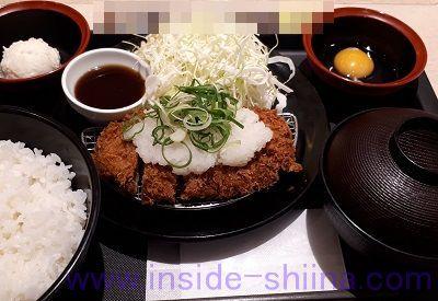 おろしポン酢ロースかつ定食(松のや) ポテサラ