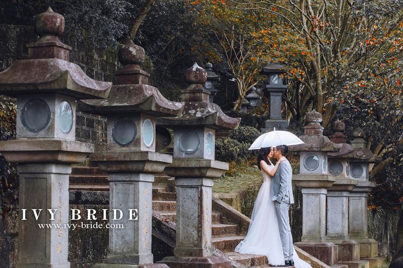 IVY BRIDEのレトロなウェディングフォト