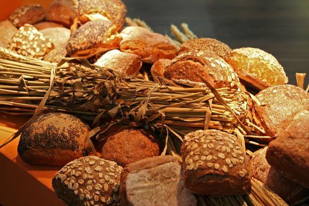玄米や雑穀、全粒粉パンであっても血糖値を上げる