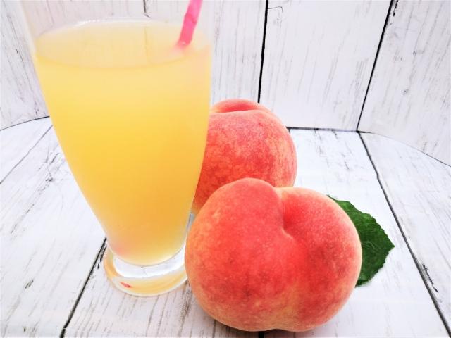 桃をつかった生ジュースで、貼れた瞼もスッキリ