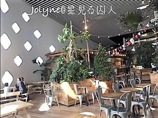 ニフレルの軽食スペース
