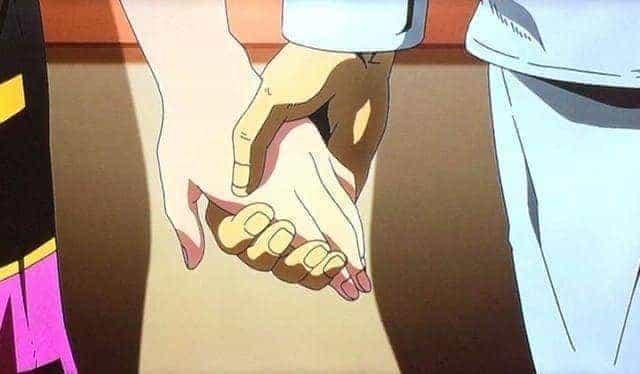 トリッシュの手を包むブチャラティ
