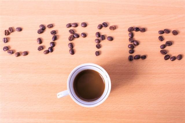 珈琲豆で模ったcoffeeという単語