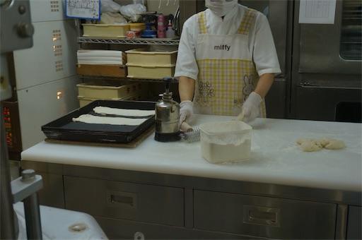 洋菓子店タカセの別館にあるベーカリーカフェに併設した工房