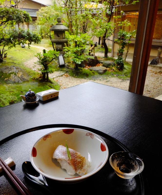 金沢・弁慶ののどぐろの蒸し寿司