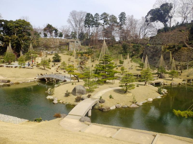 玉泉院丸庭園の段落ちの滝