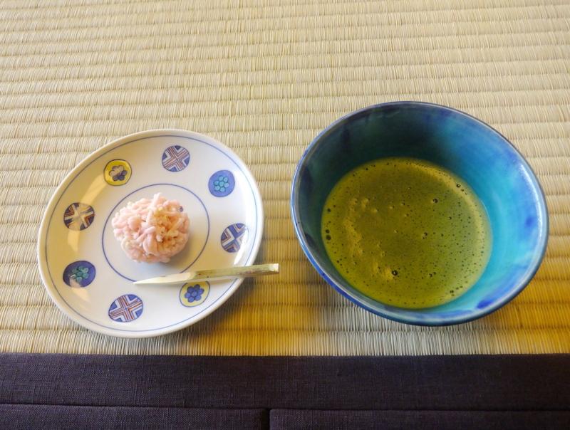 小出の上生菓子・春の宴とお抹茶(お薄)