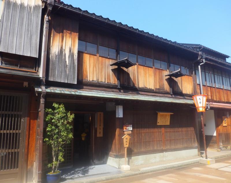 金沢ひがし茶屋街の重要文化財・志摩