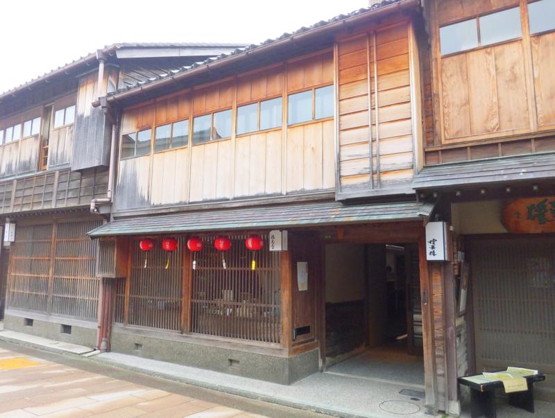 金沢最大の酒蔵・福光屋のひがし茶屋街の茶屋をリノベートした出店