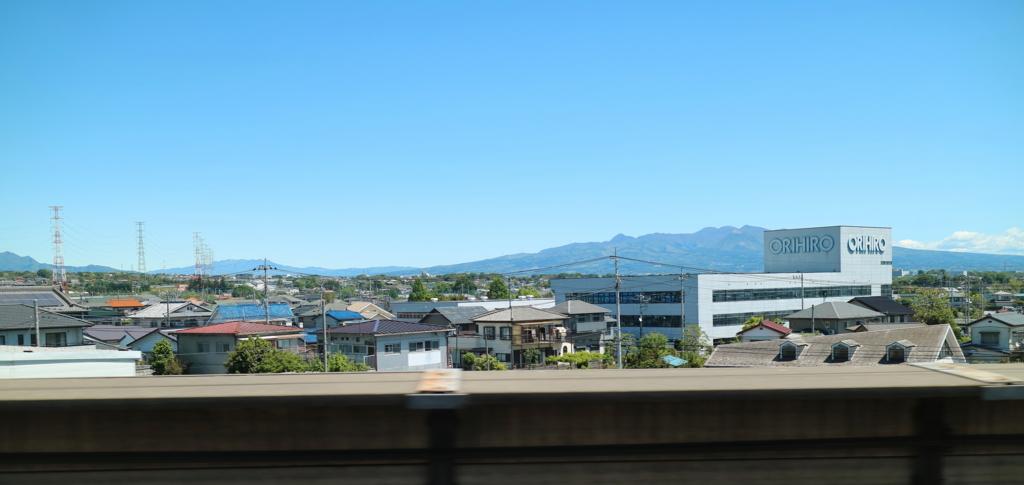 北陸新幹線の車窓から撮影したオリヒロ