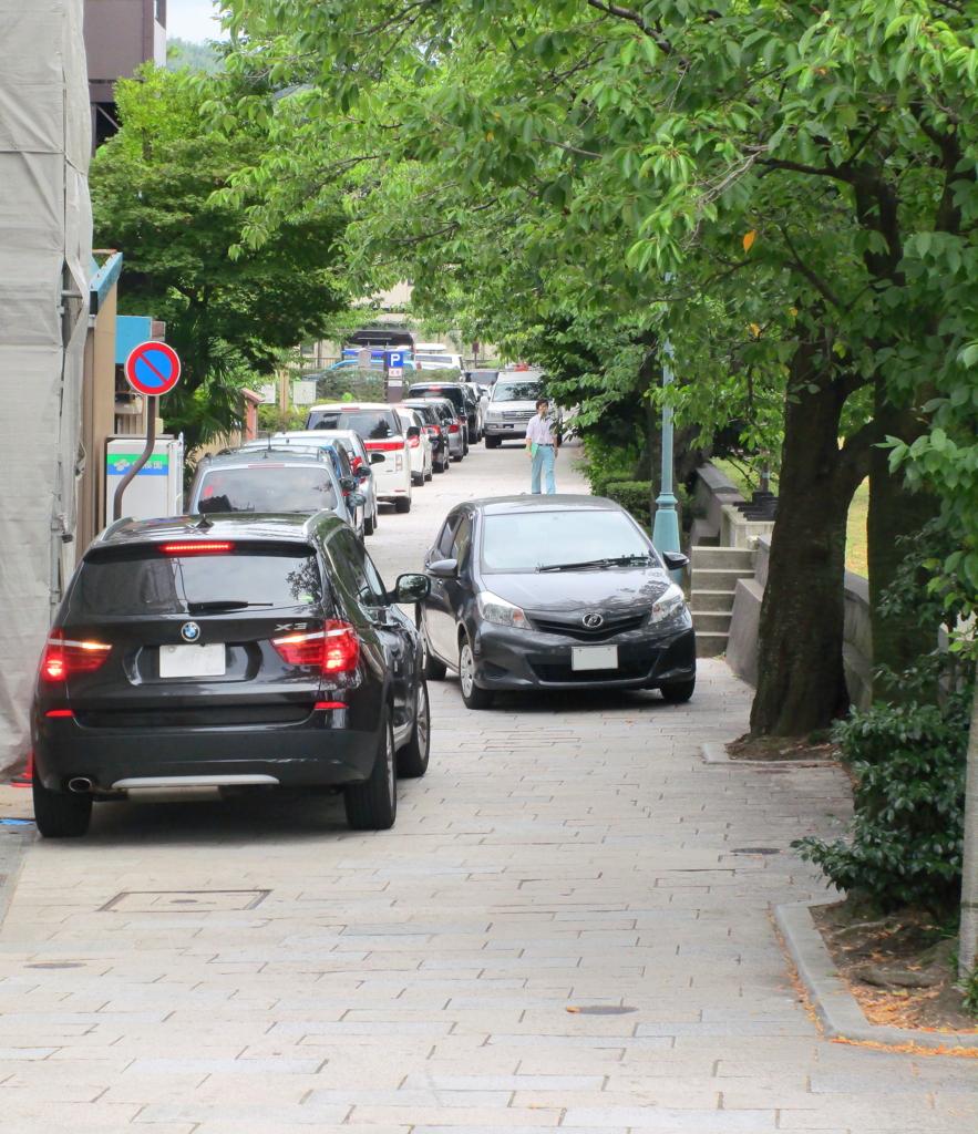 ひがし茶屋街に最も近い金沢市営東山河畔観光駐車場の最混雑時