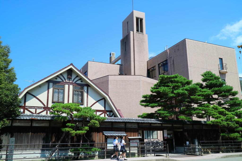 加賀藩家老・奥村家の土塀と明治建築の残る北陸学院中学・高校