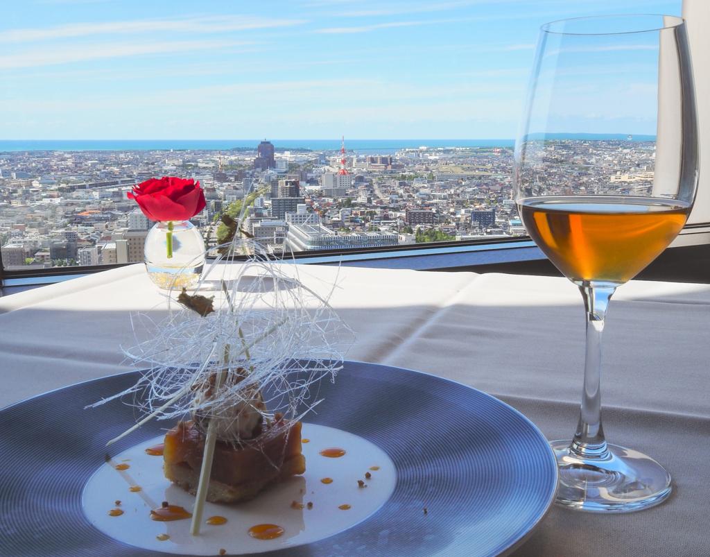 ホテル日航金沢30階、ラ・プラージュからの日本海の眺め