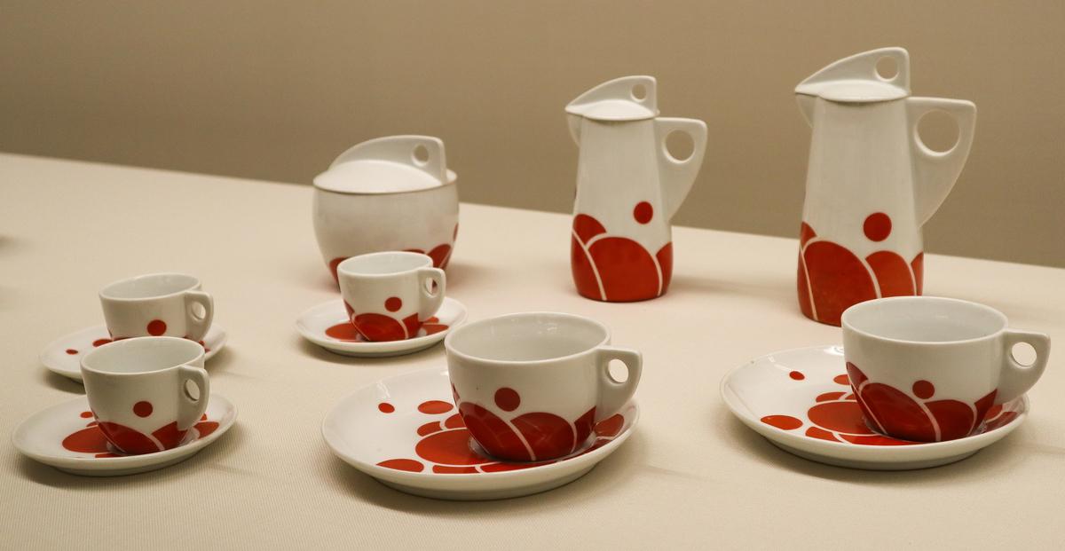 "Jutta Sika, ""Tea and Coffee Set,"" 1901-1902, Porcelain, at National Crafts Museum, in Kanazawa, Japan."