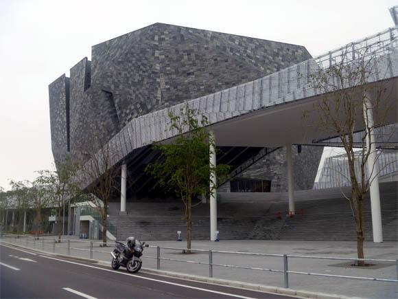 プレオープン前の「ところざわサクラタウン」の角川武蔵野ミュージアム
