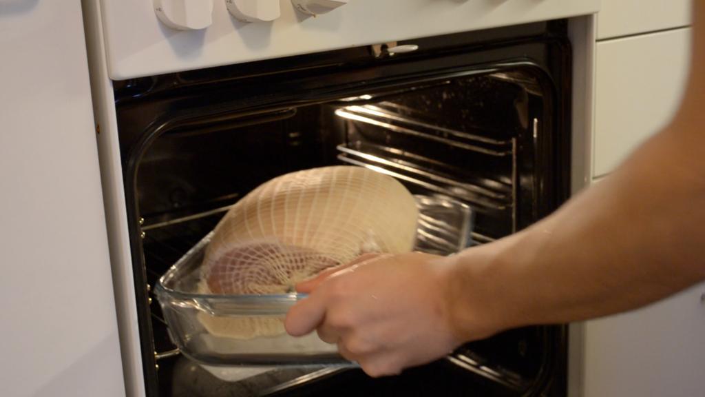 オーブンでハムを焼く