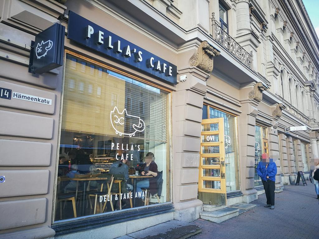 PELLA'S CAFEの外観