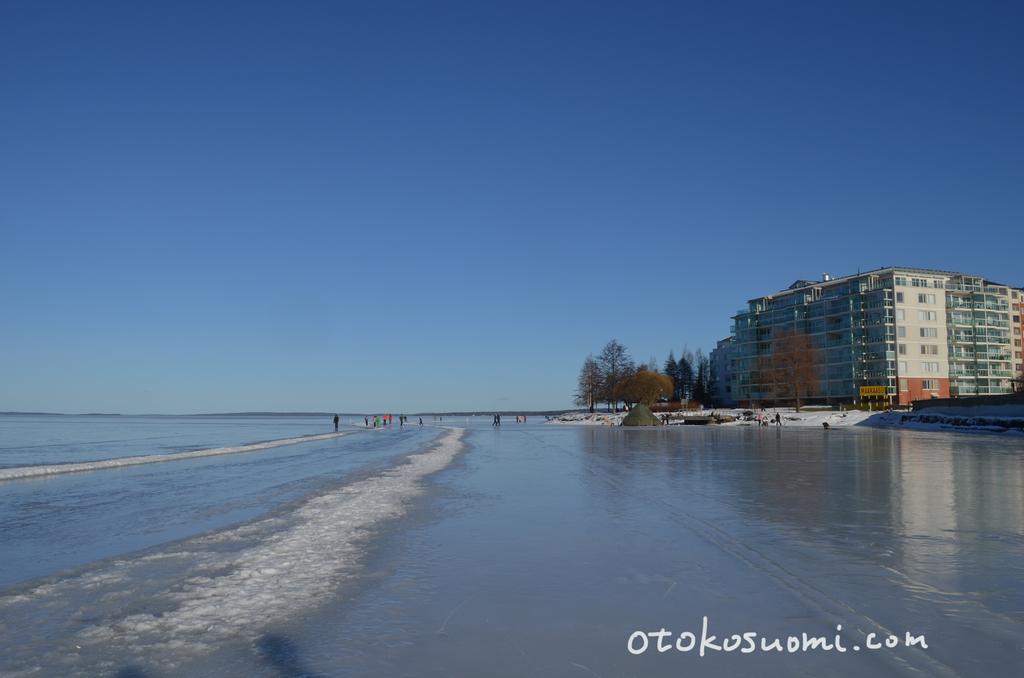 冬は水が凍りつく