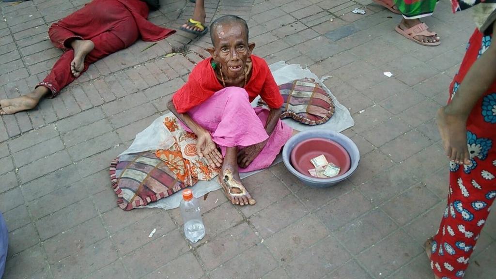 物乞いとは。乞食との違いは。3...