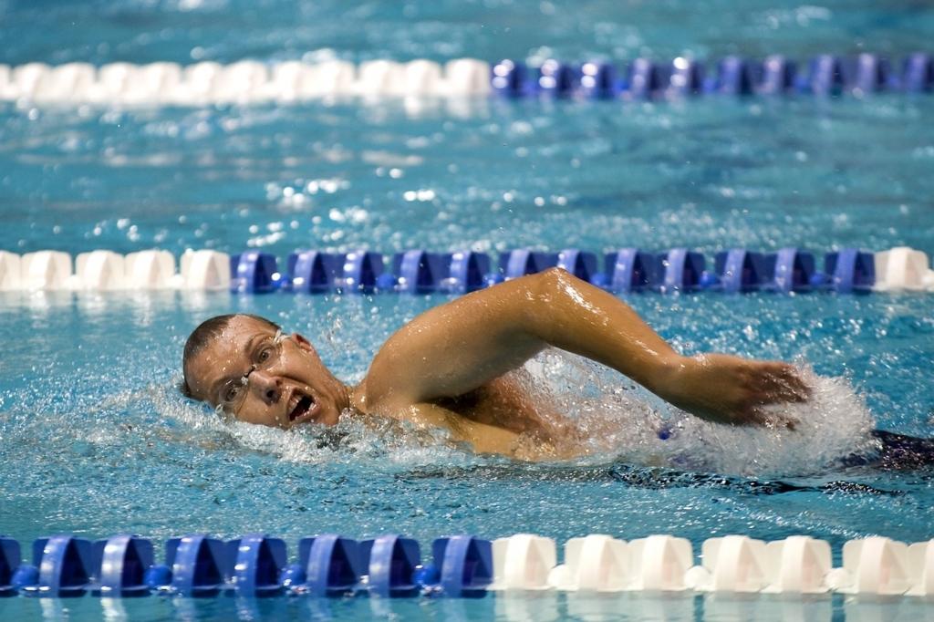 クロール速く泳ぐ方法