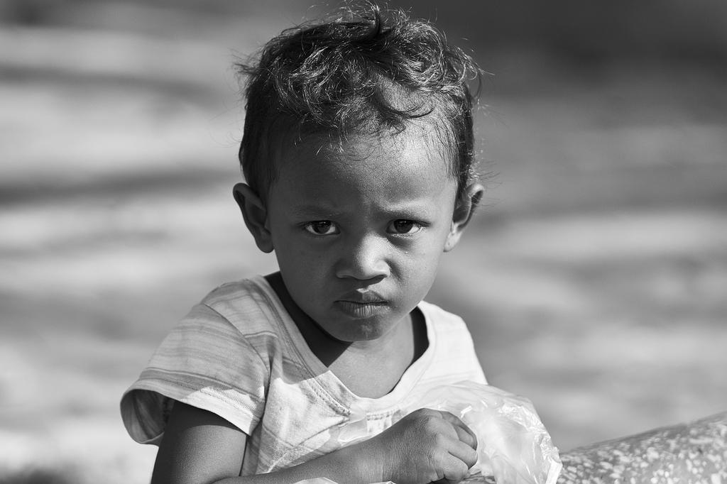 子ども 餓死