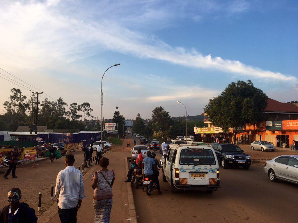ウガンダ 旅行