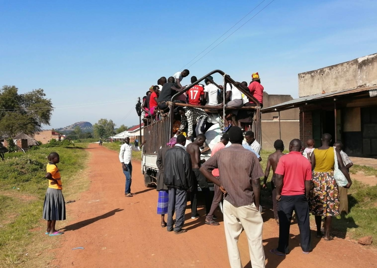ウガンダ 行き方