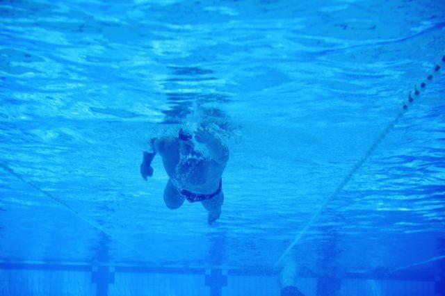 クロールを長く泳ぐコツ