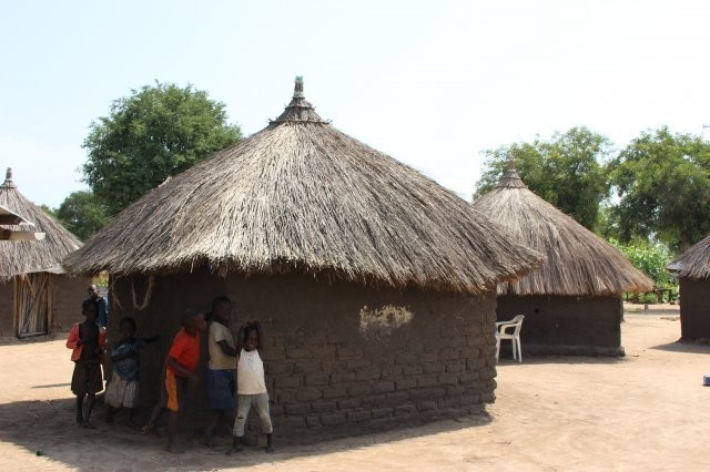 アフリカ 絶対的貧困