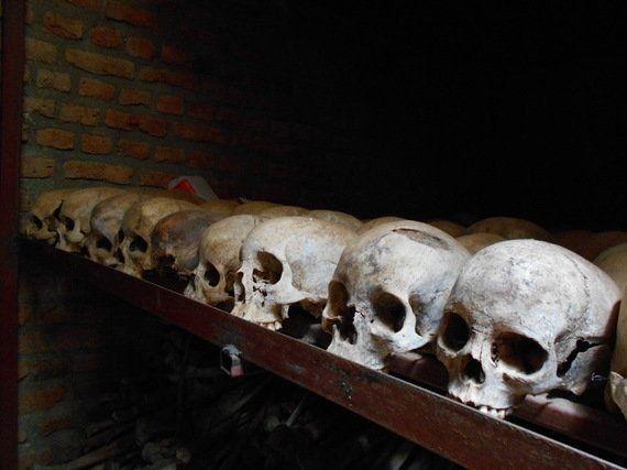 アフリカ・ルワンダ内戦の犠牲者の遺骨