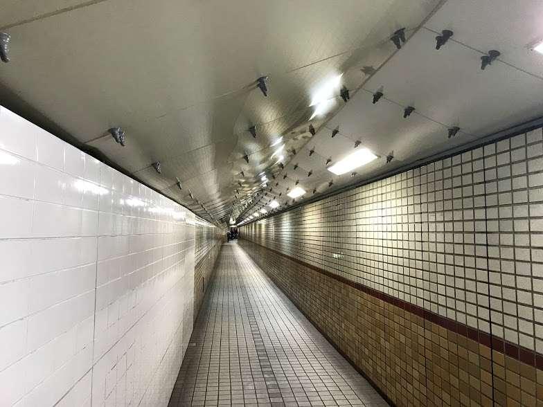 安治川トンネル地下通路