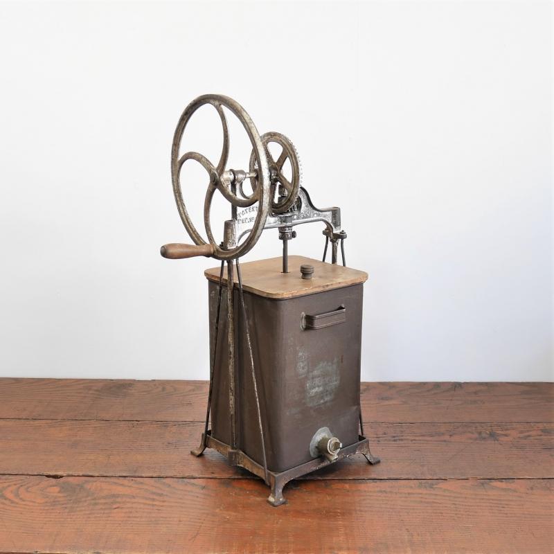 old-butter-machin