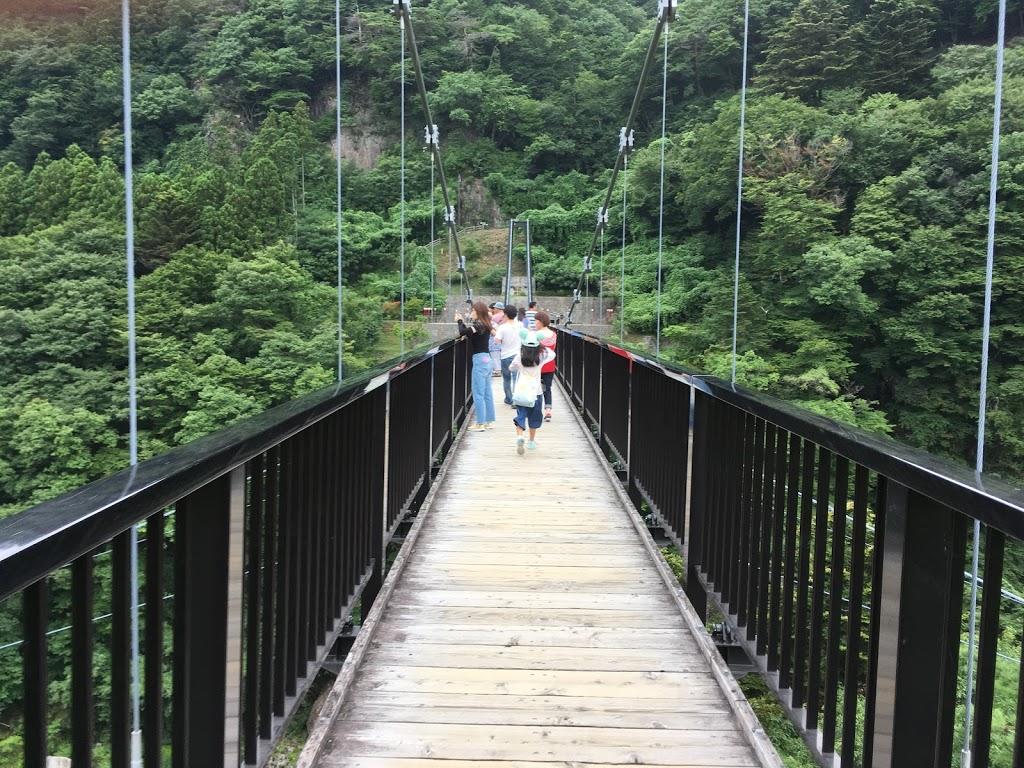 鬼怒楯岩大吊橋 幅が狭いので注意が必要