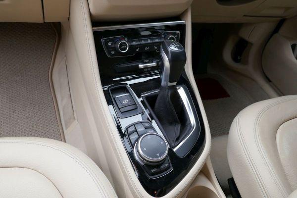 BMW 2シリーズ アクティブツアラーの室内