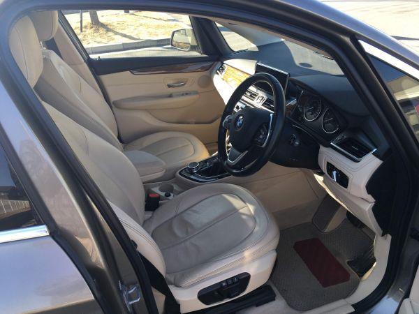 BMW 2シリーズ アクティブツアラー 電動フロントシート