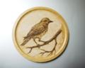 「冬景色、枝にとまる小鳥」