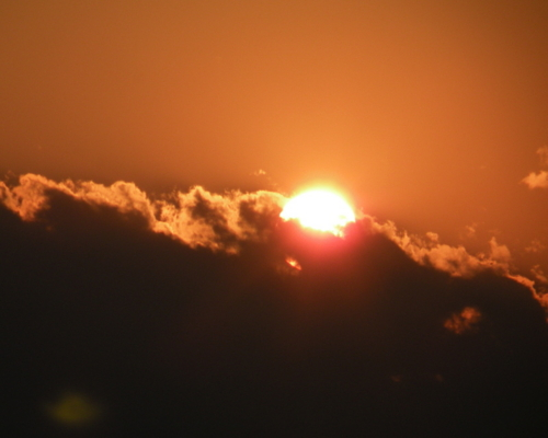 雨上がりの夕陽